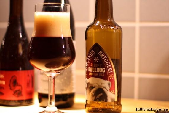 Sleepy Bulldog - Winter Ale i glas
