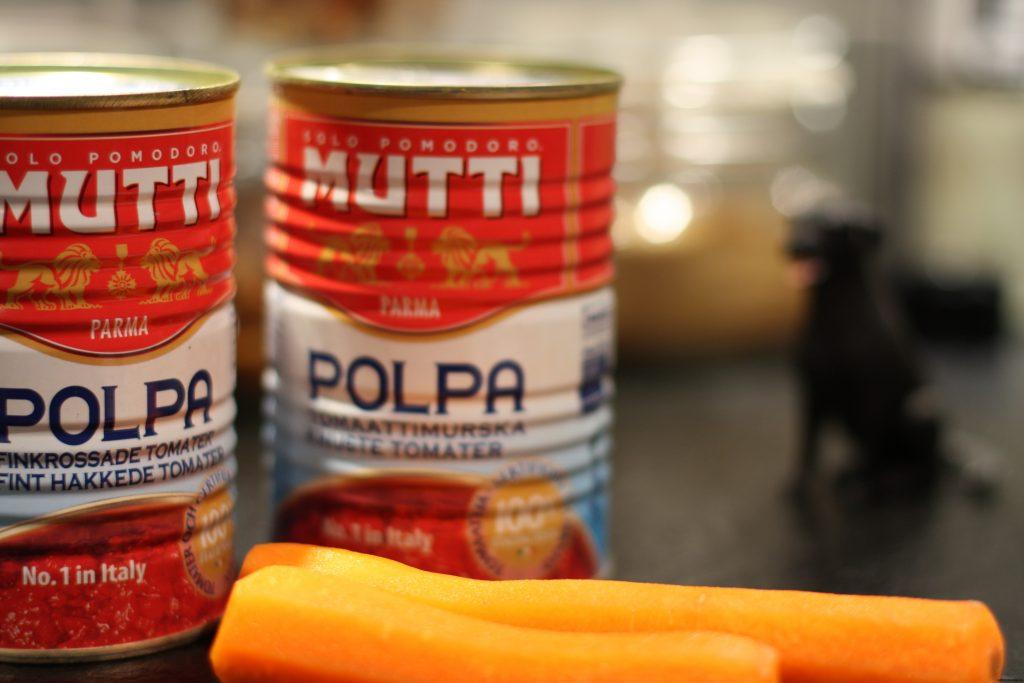 Grunden till en bra tomatsås. Krossade tomater från Mutti.