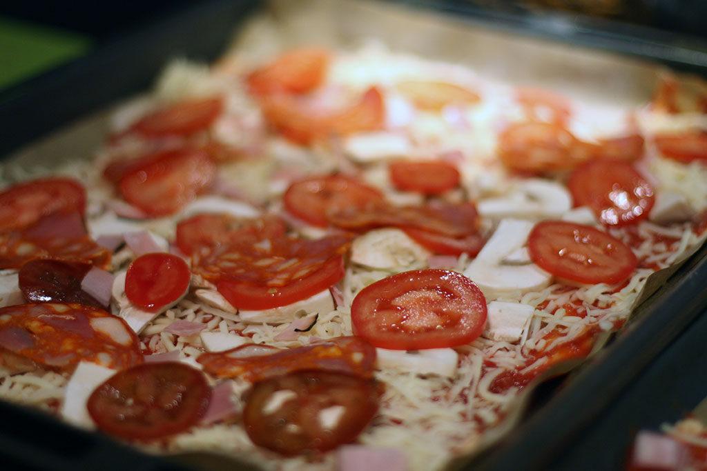 Pizza med lufttorkad skinka