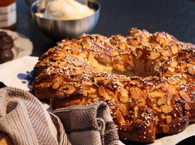 Afternoon Tea – ett frosseri med kakor, bröd och te.