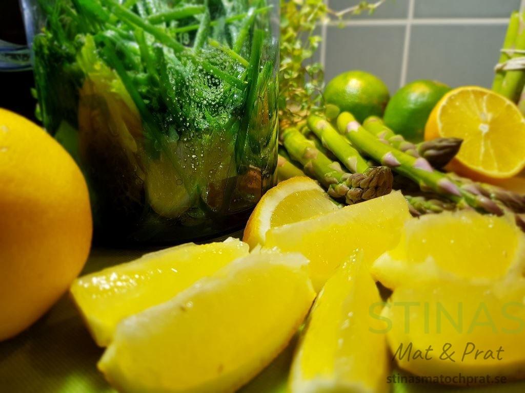 Citrus är inte bara vackert och tillför syra utan höjer också smaken på rätten.